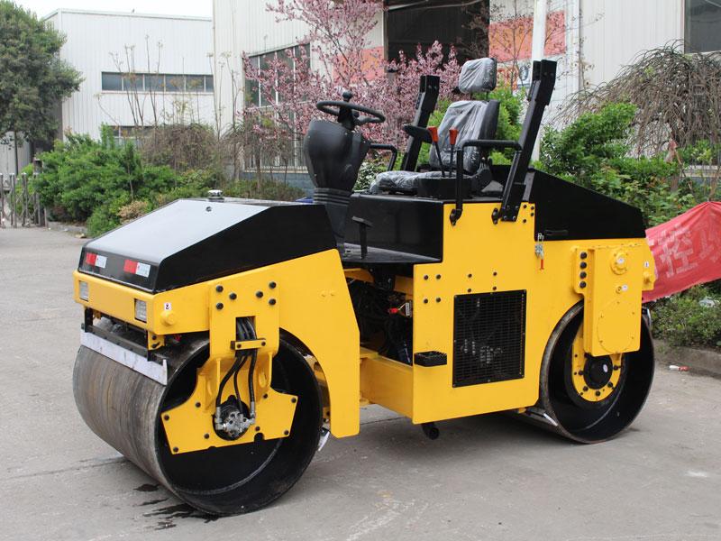 3T座驾式双钢轮压路机