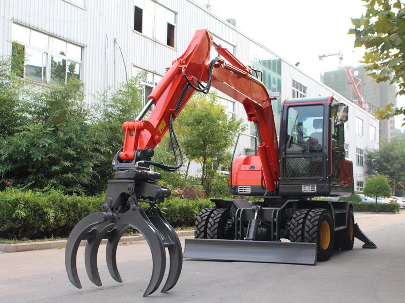 多功能轮式挖掘机工作视频